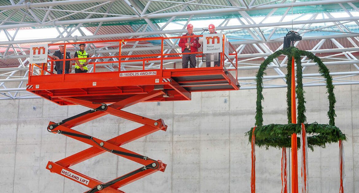 Messe Düsseldorf celebrated the topping-out ceremony of its new Hall 1