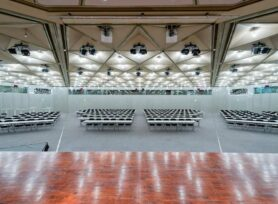 Raum LMR Blick von der Bühne