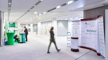 Foyer OG im CCD Süd mit Ausstellung