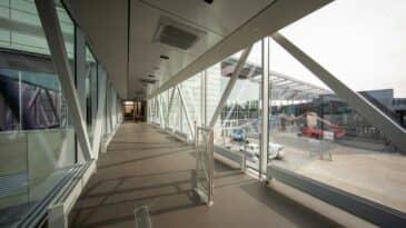 foyer gangway