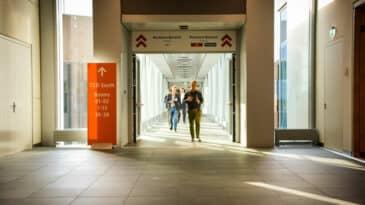 Foyer Halle 1 mit Übergang zum CCD