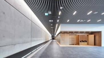 Foyer Halle 1 Obergeschoss mit Blick auf Raum 17